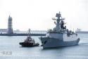 美军舰擅闯黄岩岛 中国护卫舰驱离