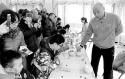 冬奥文化展板首进庙会 国手下指导棋仍最受欢迎 龙潭庙会体育味更浓