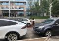 望京地区乱停车问题严重,已经严重影响交通出行!